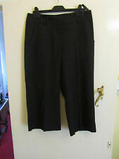 Low Rise Black Straight Leg Primark Cropped Trousers in Size 10 - L22