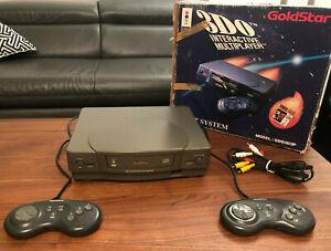 3DO Goldstar mit OVP 2 original Controllern KEIN Japan Import PAL super Zustand