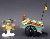 DEPT 56 58149 HERITAGE VILLAGE CHELSEA MARKET FISH MONGER & CART 2 PC  D7