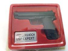 ARM037 HECKLER & KOCH USP EXPERT MINIATURA NO REAL ESCALA 1/2,5