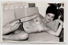Slim near nude woman W Beehive/presque nue sur canapé * VINTAGE 50 s PHOTO pc