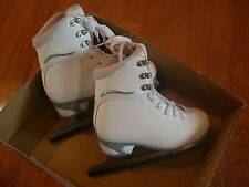 JACKSON 180 ULTIMA Girls Figure Skates - Color White, Size 2