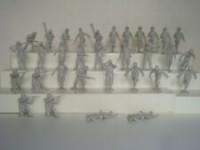 Marx 4204 Battleground / Complete Matched Set of 32 ( 2 x 16 ) Germans