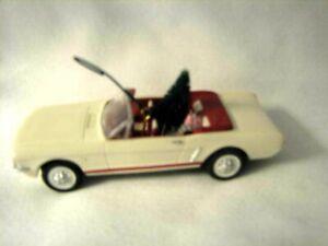 1992 Hallmark Keepsake Ornament 1966 MUSTANG 2nd in series Classic American Cars