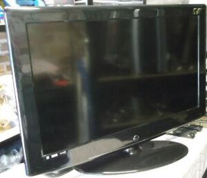 "Digitrex CTF-4071 40"" 1080p HD LCD Television"