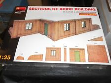 MINIART 35552 1/35 SECTIONS OF BRICK BUILDING DIORAMA PLASTIC MODEL KIT, 2010