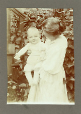 Mère et fils Vintage silver print Tirage argentique  6x9  Circa 1930
