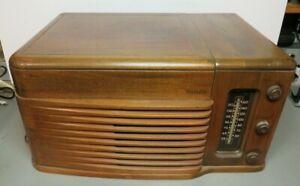 1946 PHILCO 46-1203 TUBE RADIO PHONOGRAPH POWERS ON