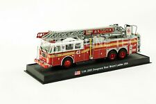 Giant Fire Truck Seagrave Rear Mount Ladder- USA - 2001 Diecast Model 1/64 No 2