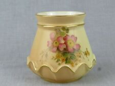 ANTIQUE ROYAL WORCESTER BLUSH IVORY SQUAT VASE - STYLE 991 - DATE 1904