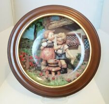 """Hummel Little Companions 8"""" Collector Plate With Frame/Orig Box - Squeaky Clean"""