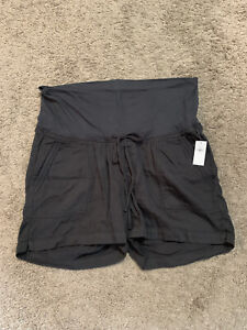 NWT! Old Navy Maternity Black Roll-Over Waist Shorts - Size Large