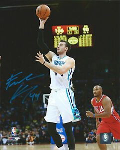 Hornets FRANK KAMINSKY Signed 8x10 Photo #2 AUTO - Badgers 2015 College POY