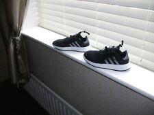 Antiguos Chicos Adidas X PLR Negro Deportes Entrenadores UK Size 2 Buenas Condiciones