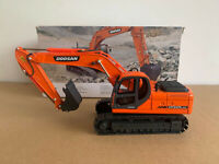 Doosan DX225LCA Hydraulic Excavator 1/40 Scale DieCast Model New in Original Box