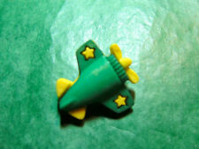 (1)  PROPELLER PLANE PLASTIC SHANK CRAFT EMBELLISHMENT BUTTON LOT (E306)