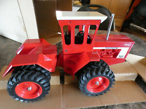 International  IH 4366 Tractor---1/16 scale----NIB