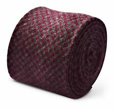 Frederick Thomas mens wool tweed tie in grey and red square check FT3376