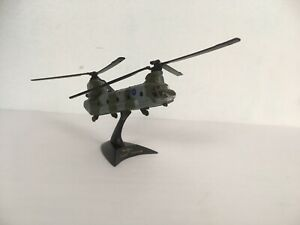 Maisto Military Diecast CH-47 Chinook Helicopter Royal Airforce - With Stand