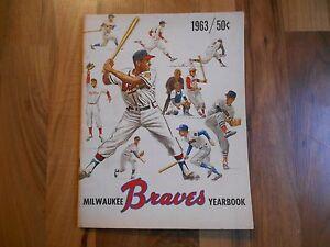 Old Vintage 1963 Milwaukee Braves Yearbook & Insert Card MLB Baseball Souvenir