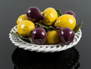 Obstkorb mit Zierfrüchten, Zitrone u Feige, Italien M.20.Jh, Zierkeramik
