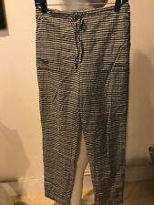 Preowned THEORY  CHECKERED SILK PANTS SIZE PETITE!!! BARELY USED !!! GA