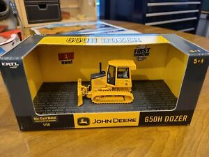 Ertl 1/50 15631 John Deere 650H Dozer First Production New in Box