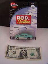 Hot Wheels Green & White Shoe Box #2 of 4 Rod & Custom Magazine -   RR - 2002