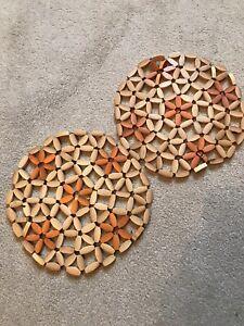 Retro Italian Floral Hot Placemat Round Beige Orange Set X2 Plastic Crochet 19cm