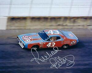 GFA Nascar Indy Daytona 500 RICHARD PETTY Signed 8x10 Photo R2 COA