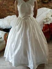 ein Brautkleid/Kostüm in crem Gr 44/46/48