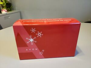 New Avon Christmas Holiday Snowflake Bath Votive Candle & Soap Dish Gift Set