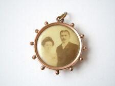 Antiker vergoldeter Foto Anhänger/Medaillon mit Original Bild 3,3 x 2,7 cm/4,0 g