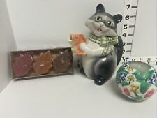 vintage, cute, adorable, ceramic cat holding a fish, Bonus Gifts= Four Candles