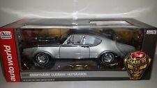 Auto world 1:18 Oldsmobile Hurst Cutlass class of 68 nieuw in verpakking