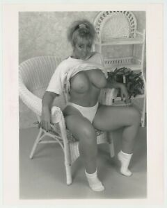 Large Firm Boobs 8x10 Vintage Photo Smiling Blond Big Breasts Parliament J7390