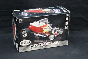 Testors MODEL T BUCKET Ultra Detail 1:24 Scale Vintage Model Kit Open Box NICE