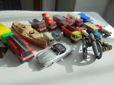 Dinky, Lhemann, Herpa, Jean…lot d'anciens jouets complets ou à restaurer. Voir l