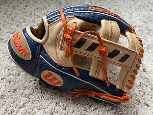 "Wilson A2000 11.5"" Jose Altuve Baseball Glove Model - Superskin JA27 Almostnew"