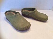 """Pause Nature Garden Shoes Clogs Size """"2 1/2 3 1/2"""" and """"35-36"""" Dark Green Rubber"""