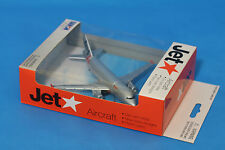 Brand New Jetstar Plane Die cast Toy  Metal 1:500 Scale  Daron RT7574 qantas