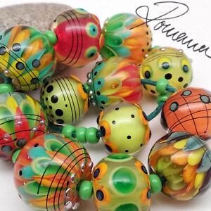 RomanaLampworkBeads > 12 < Playful Colors >
