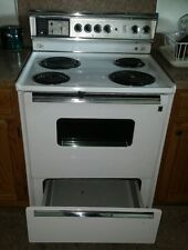 New listing Vtg. G.E. Electric Workable Stove *Sensi Temp P7 Oven Cleaning Model * Nice!