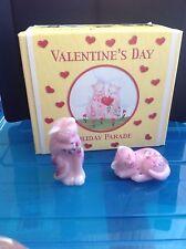 Fenton  Holiday Parade Valentine's Day '' Rosalene Cats Set '' Gorgeous NIB
