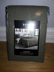 DKNY Avenue Stripe King Duvet Cover Set in Olive with 2 King Shams!!
