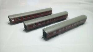 3 Hornby 00 Gauge MK1 BR Maroon coaches R4350, R4351, R4352