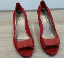 LADIES JANE DEBSTER STAR HIGH HEELS RUBY RED SUEDE SIZE 7 PRE-OWNED RR9 $169.95