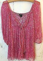 KAREN KANE Women's Small 100% SILK Blouse Top Pink Print Fit Flare Pleats Detail