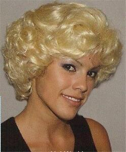 Short Curly, Wavy & Layered Blond 'Marilyn Monroe' Wig Wigs