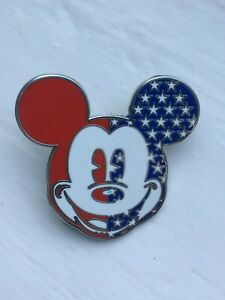 DISNEY MICKEY MOUSE AMERICAN FLAG PIN